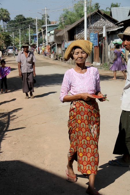 12 FOTO) Un villaggio vicino a Naypyidaw