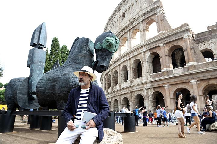 16_gustavo-aceves-the-artist-installation-view-of-lapidarium-colosseum-square-rome-2016-courtesy-of-the-artist-photography-mario-basilio-copia