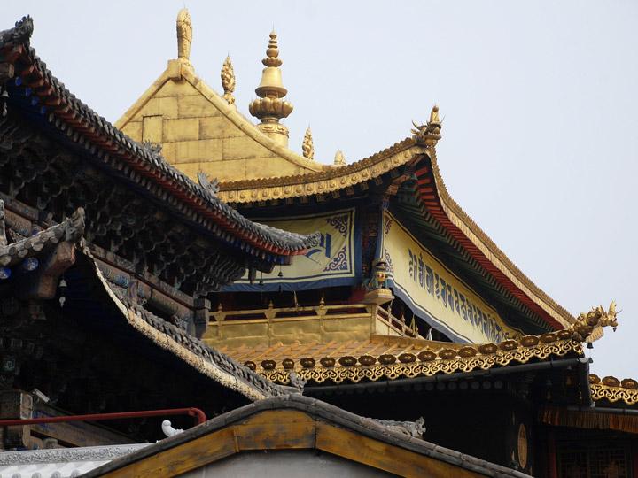 Tetto-pagoda-cultura-e-minoranze-etniche-qinghai-tibet-cina-emotions-magazine-rivista-viaggi-turismo_n1