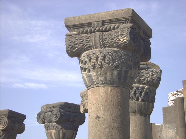 capitello tempio monastero armenia viaggio in armenia turismo armenia emotions magazine rivista viaggi rivista turismo