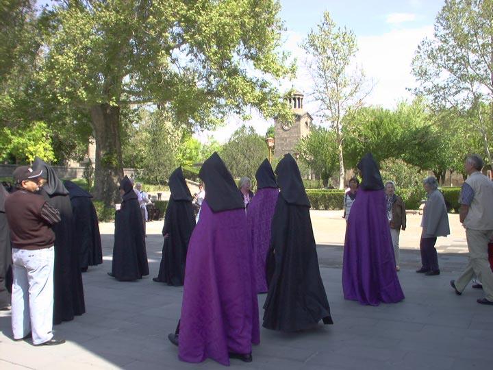 monaci armenia viaggio in armenia turismo armenia emotions magazine rivista viaggi rivista turismo