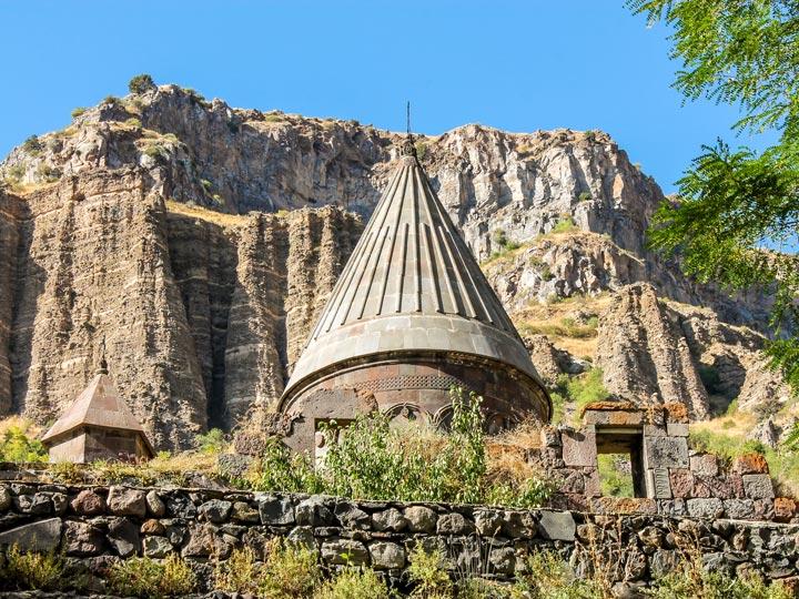 monastero armenia viaggio in armenia turismo armenia emotions magazine rivista viaggi rivista turismo