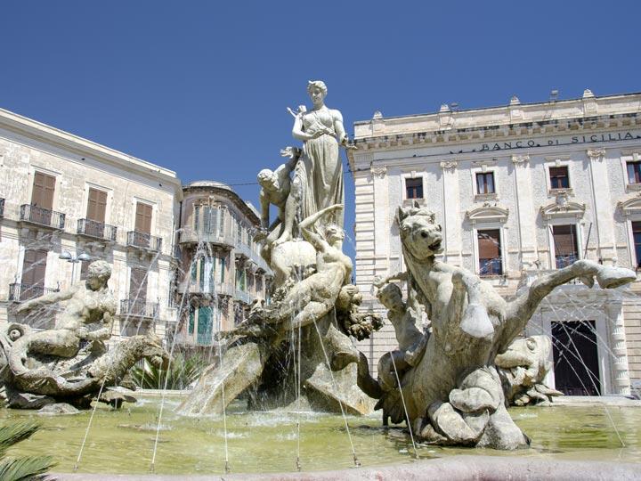 viaggio siracusa viaggio sicilia fontana diana emotions magazine rivista viaggi rivista turismo