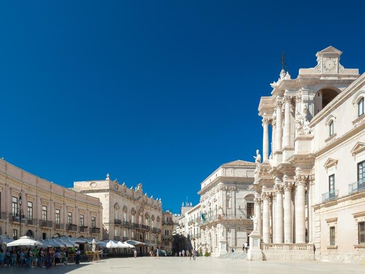 viaggio siracusa viaggio sicilia piazza duomo emotions magazine rivista viaggi rivista turismo