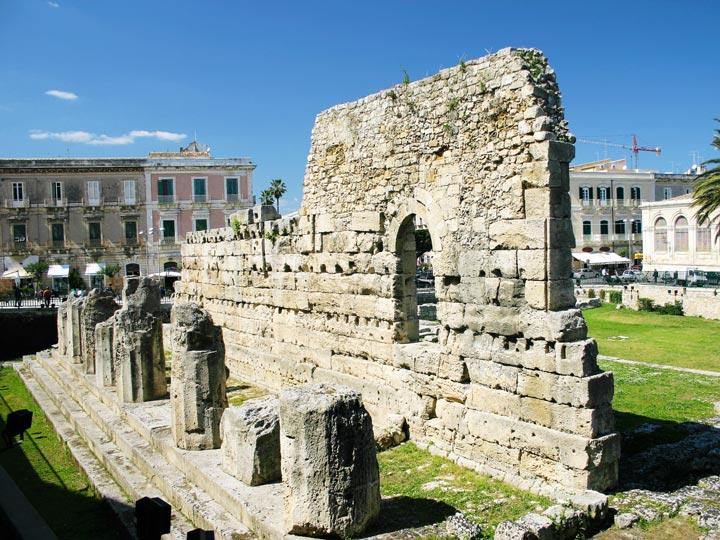 viaggio siracusa viaggio sicilia tempio di apollo emotions magazine rivista viaggi rivista turismo