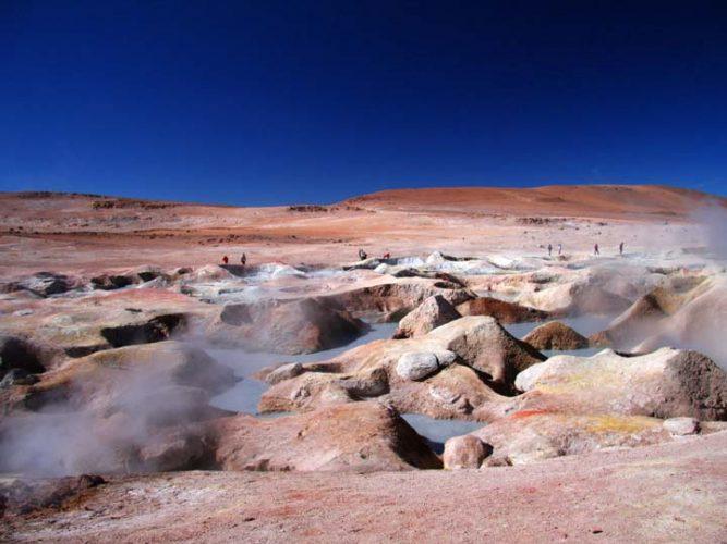 Geysers di Sol de Manana Bolivia emotions magazine rivista viaggi rivista turismo