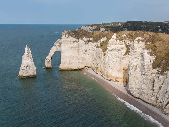 La Scogliera Elefante vicino Etretat in Normandia - emotions magazine - rivista viaggi - rivista turismo