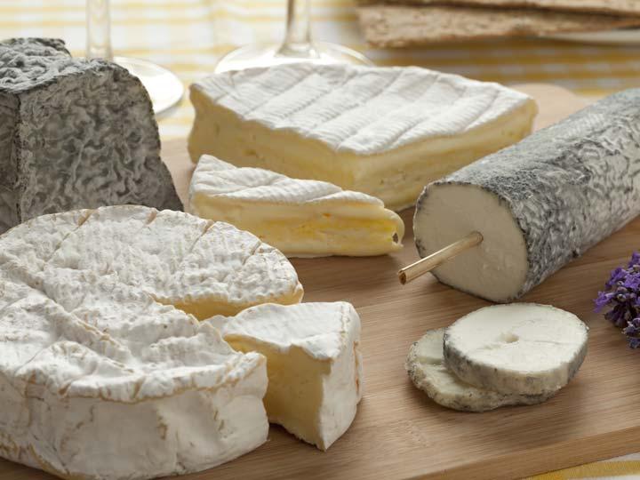 assortimento di formaggi francesi - emotions magazine - rivista viaggi - rivista turismo