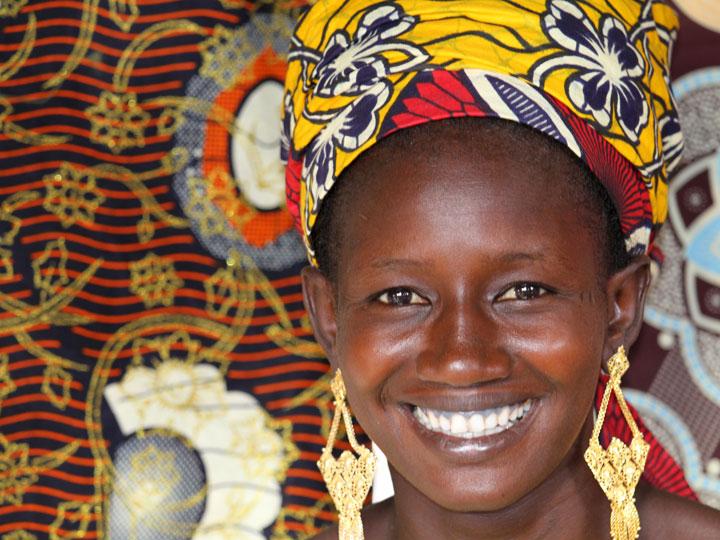i mille volti del senegal - donna peul Senegal - viaggio senegal - emotions magazine - rivista viaggi - rivista turismo