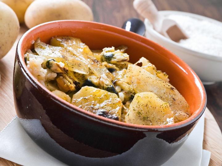tiella riso patate e cozze - Puglia sapori - emotions magazine - rivista viaggi - rivista turismo