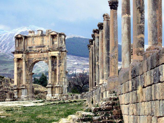 ALGERIA_Djemila_Arco_di_Caracalla