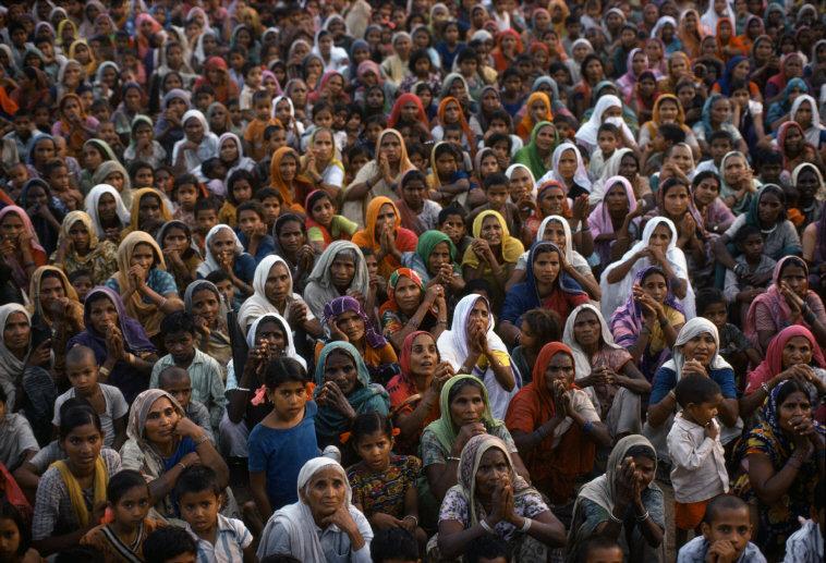 INDIA. Uttar Pradesh. Audience for an Indira Gandhi rally. 1978.