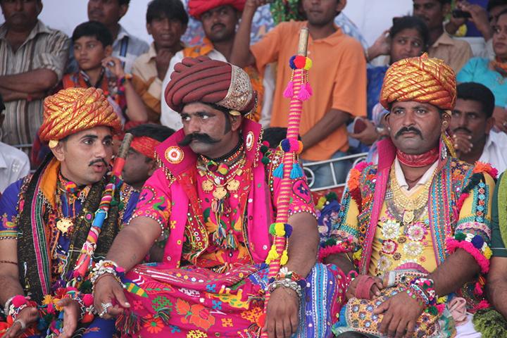 La festa dell.ombrello, una celebrazione dedicata al fidanzamento copia