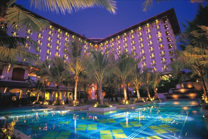 La piscina del Chatrium Hotel