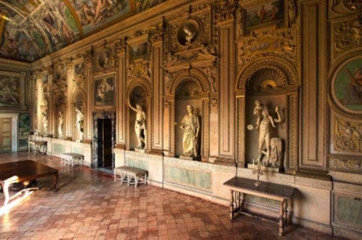 Palazzo_Farnese_Galleria_dei_Carracci_modified