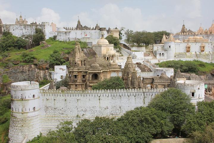 Palitana, un complesso di 863 templi, costruiti oltre nove secoli fa copia
