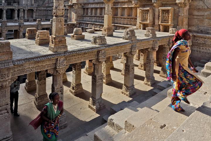 Patan, pozzo baoli (tipico pozzo a gradini del Gujarat) copia