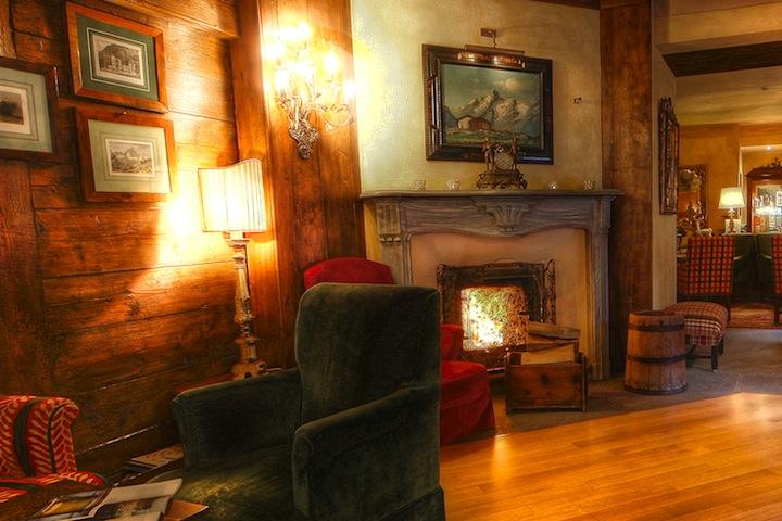 Romantik_Hotel_Villa_Novecento_-_Dettaglio_salotto