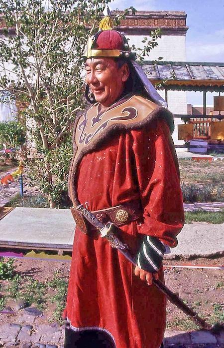 mon187vm Naadam guerriero copia