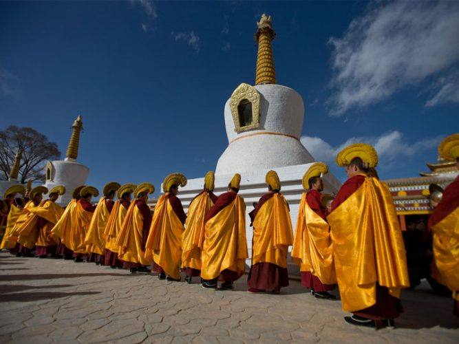 Monaci1-cultura-e-minoranze-etniche-qinghai-tibet-cina-emotions-magazine-rivista-viaggi-turismo_n2